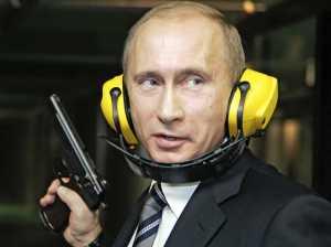 Отвечая на вопросв журналистов, Владимир Пути заявил, что он не слышал никаких жалоб на агрессию России, и что журналисты мешают ему защищать интересы мишеней в тире.